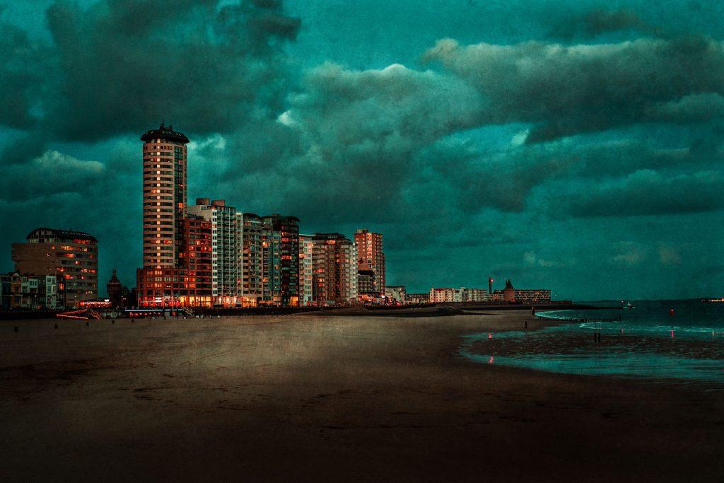 .⋗ 0041 ZEELAND turquoise skyline ⋖